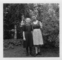 (018)Charlotte+Maria~um~1950